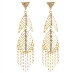✤ Jessica Simpson Feather/Chain Earrings
